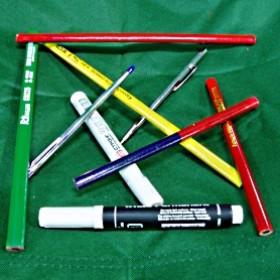 Олівці, маркери, лінійки